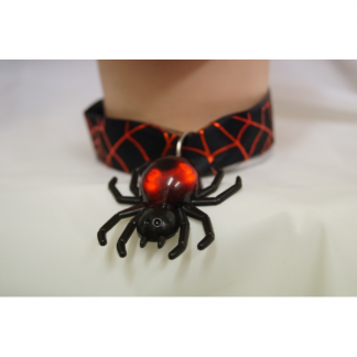 Spiderweb Ribbon with Flashing Spider Charm Chocker Necklace