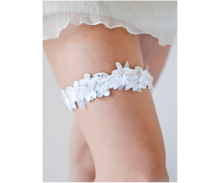 Wedding Garters, Veils & Horseshoes
