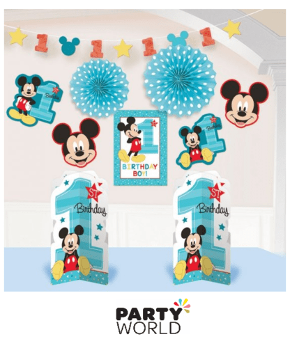 MICKEY MOUSE ROOM DECORATING KIT