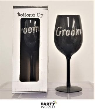 groom glass black
