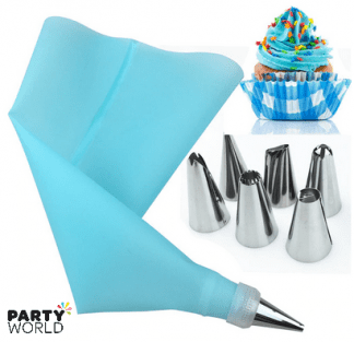 piping bag with nozzles